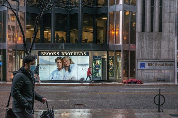 گزارش تصویری یک عکاس از تورنتوی همیشه شلوغ، وقتی که شهر ارواح شده بود