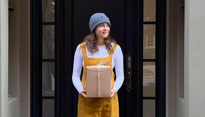 این دختر ۲۴ ساله در تورنتو کیک درست میکند و الان برای اپریل سفارش میگیرد