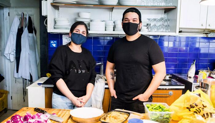 این زوج مهاجر جای خالی بازار را یافتند و یک رستوران هندی باز کردند؛ موفق هم شدند