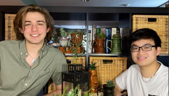 ابتکار دو دانشجوی تورنتو برای راهاندازی کسب و کار گل و گیاه با استفاده از سوشیال مدیا