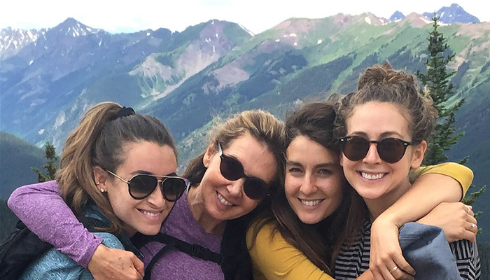 برند تازه برای مراقبت از پوست؛ بیزینس آنلاین مادر و سه دختر در تورنتو