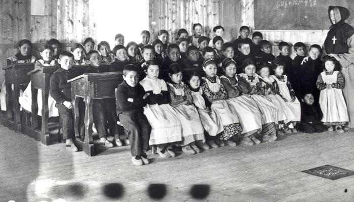 گزارش ویژه آتش از آنچه طی یک قرن بر ۱۵۰ هزار دانشآموز بومی در ۱۳۹ مدرسه شبانهروزی کانادا گذشت