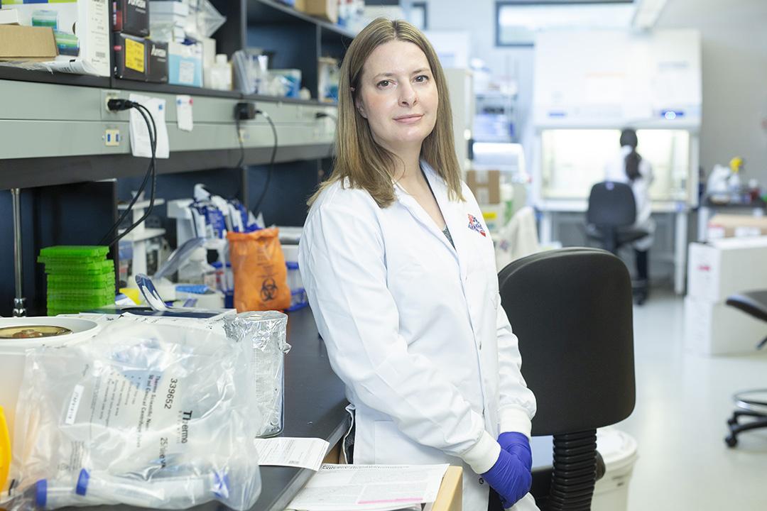خانم Alyson Kelvin ویروسشناس در دانشگاه ساسکاچوان