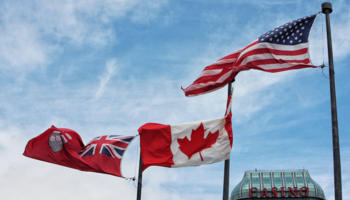 آمریکا ماه آینده مرزهای زمینی خود را برای کاناداییهای کاملا واکسینه شده باز میکند